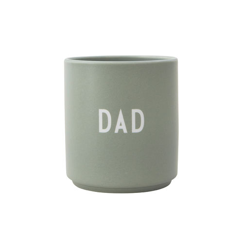 Becher *DAD - GRÜN* DESIGN LETTERS